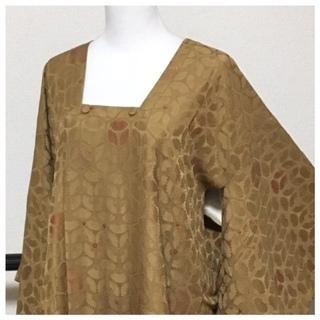 極上 美品 道行コート 高級呉服 薄い茶 地紋柄 正絹 中古品