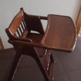 子供のハイチェア(椅子)