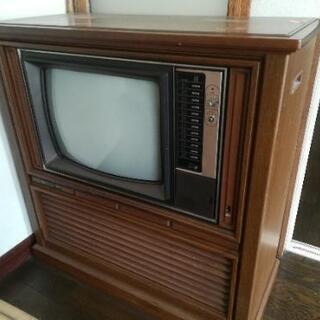 アンティークなテレビ 1977年製