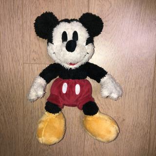 ディズニー ミッキーマウスのぬいぐるみ