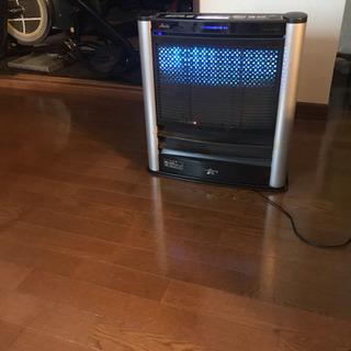 アラジン 木造13畳、パワフル、エコ、消臭。青い光がお部屋を演出...