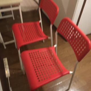 赤い椅子2脚セット 引取希望