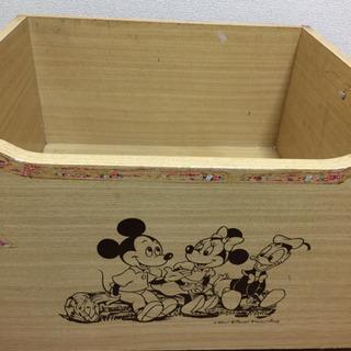 ミッキーマウスのオモチャ箱
