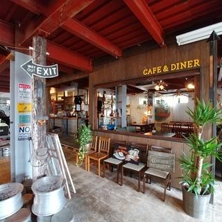 <宜野湾市>お洒落なカフェ&ダイナースタッフ!
