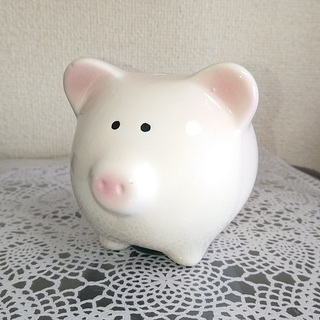 【無料】まんまる豚さんの貯金箱