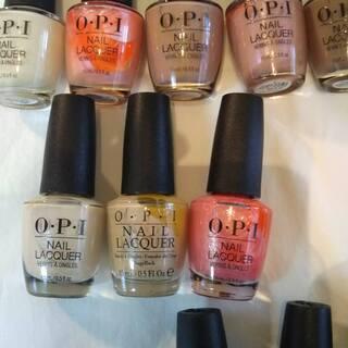 OPI のラッカー色ナチュラル系のアレンジセット