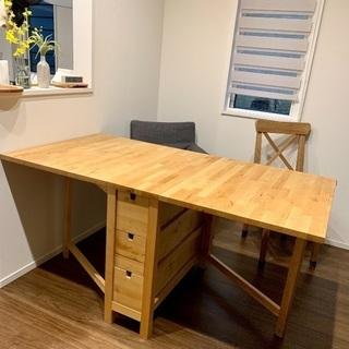 IKEAのダイニングテーブル ※椅子はなし