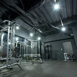 BEYOND(ビヨンド)ジム 池袋店 パーソナルトレーニングができるプライベートジム - スポーツ