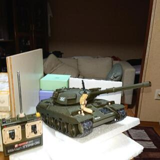 ラジコンの戦車になります
