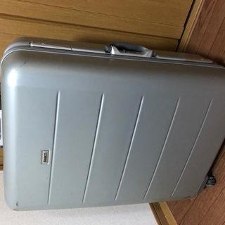 【1週間程度の旅行に!】70Lスーツケース