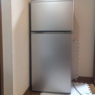 アクアの17年式シルバーのツードア冷蔵庫  半年ほど使用