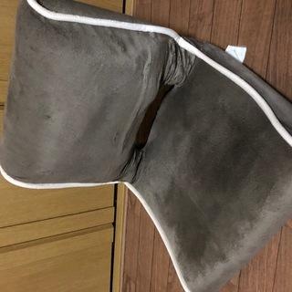 コンパクトなリクライニング座椅子