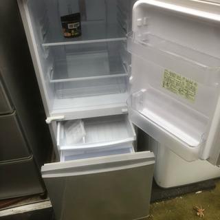 中古相場 18000円 シャープ 冷蔵庫 小型 2ドア つけかえどっちもドア 137L シルバー SJ-D14C-S - 安城市