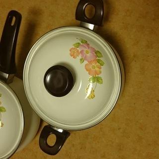 【2個で200円】同一柄のホーローお鍋×2個セット