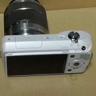 ソニー薄型ミラーレス一眼レフNEX3