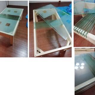 ガラス多用のローテーブル