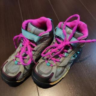 (値下げ)ニューバランス 登山靴 19cm