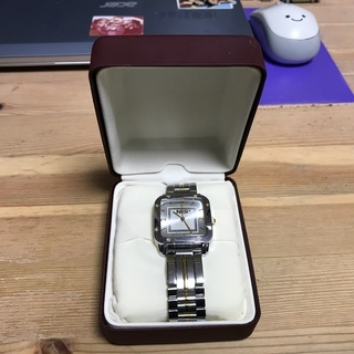 韓国国家情報院NISの腕時計でして非売品でございます(^◇^)