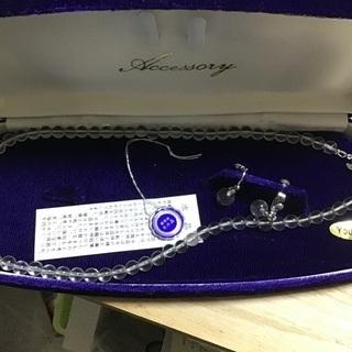 本水晶のネックレスとイヤリングのセット