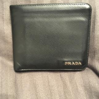 PRADA 二つ折り財布