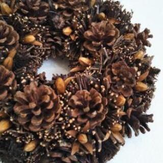 ◆チョコレートカラーの木の実いっぱいリース◆