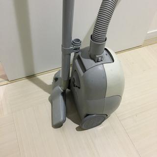 【中古】掃除機 SANYO SC-SD27 紙パック10個付き