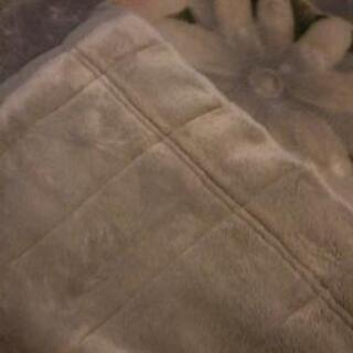 (取引中)毛布。グレーがかった水色。