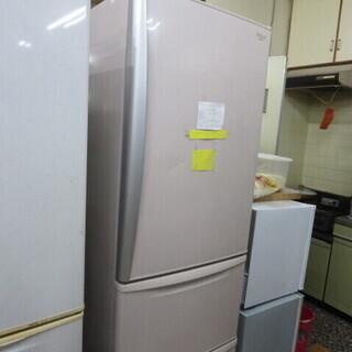 取りに来てくれる方上げます ナショナル365L冷蔵庫2008年製...