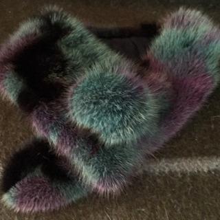 かわいい!タヌキの毛皮ティペット