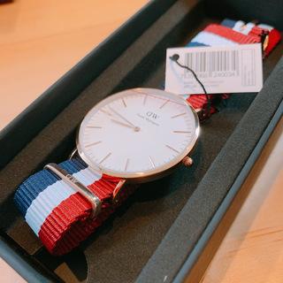新品箱付き!ダニエルウェリントン 腕時計 0103DW