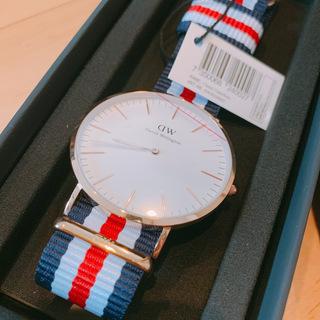 新品箱付き!ダニエルウェリントン 腕時計 0102DW