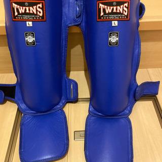 正規 TWINS 本格キックボクシングレガース本革製