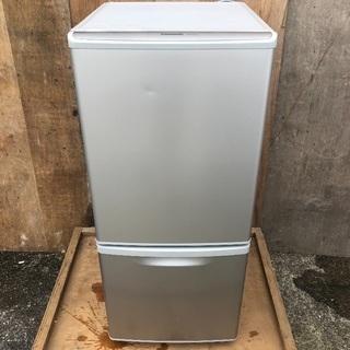 【配送無料】Panasonic 138L 冷蔵庫 下冷凍 NR-...