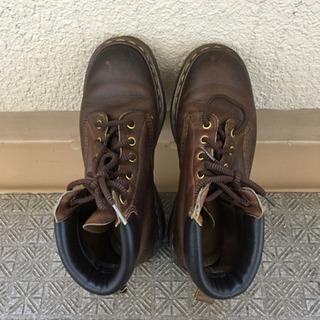 ドクターマーチン6ホールのブーツでmade in England...
