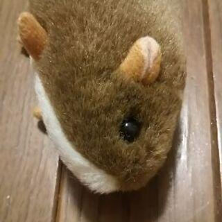 ハムスターかネズミのぬいぐるみ