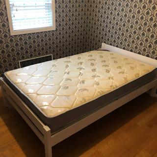 【終了しました】ベッドマット セミダブル 半年使用 無料