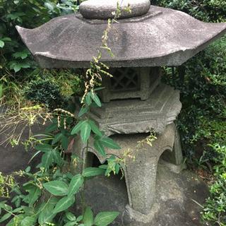 【大幅値下受付中】張りの大きな石灯篭です。