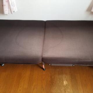 【取引中】中古品折り畳みシングルベッド【無料】