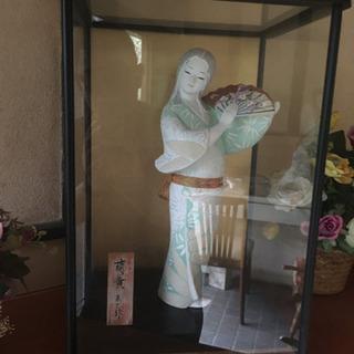 【大幅値下受付中】美人博多(?)人形(ガラスケース入り)