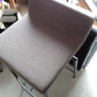 【レトロな椅子】