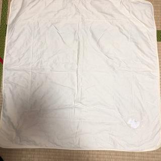 赤ちゃんのおくるみ  超美品  クマの刺繍あり(^ ^)