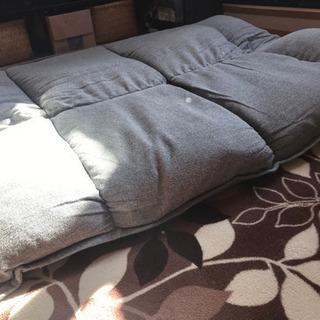 足なしソファ - 家具