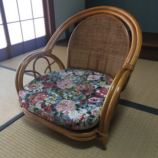 籐の座椅子