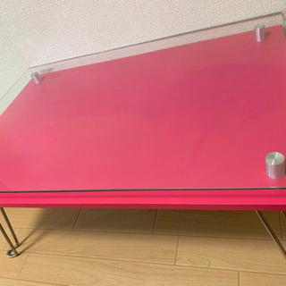 ピンク 机