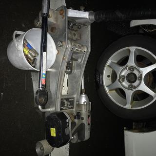出張タイヤ交換など。