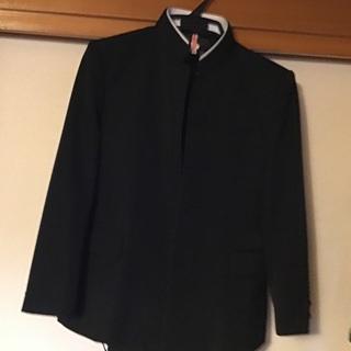 男子学生服。変えズボン付き。新品未使用品に近いです。
