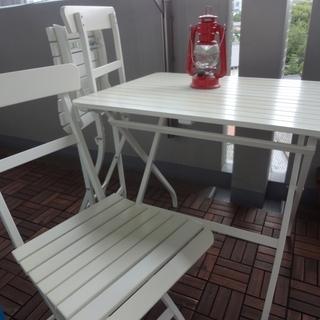 IKEA テーブル&いす2脚