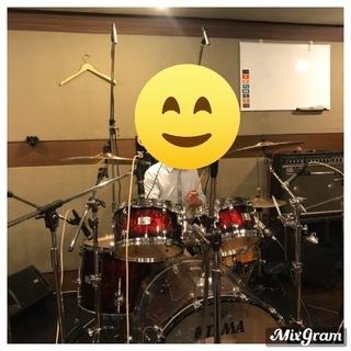 バンド、弾き語り、声優の素材等、出張レコーディングします。
