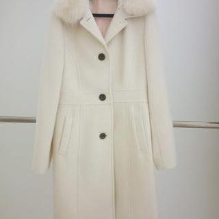 アンゴラ・ウールの暖かくて可愛い白のコートです♪ 値下げします!3回目