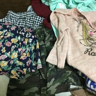 大量の服 レディース